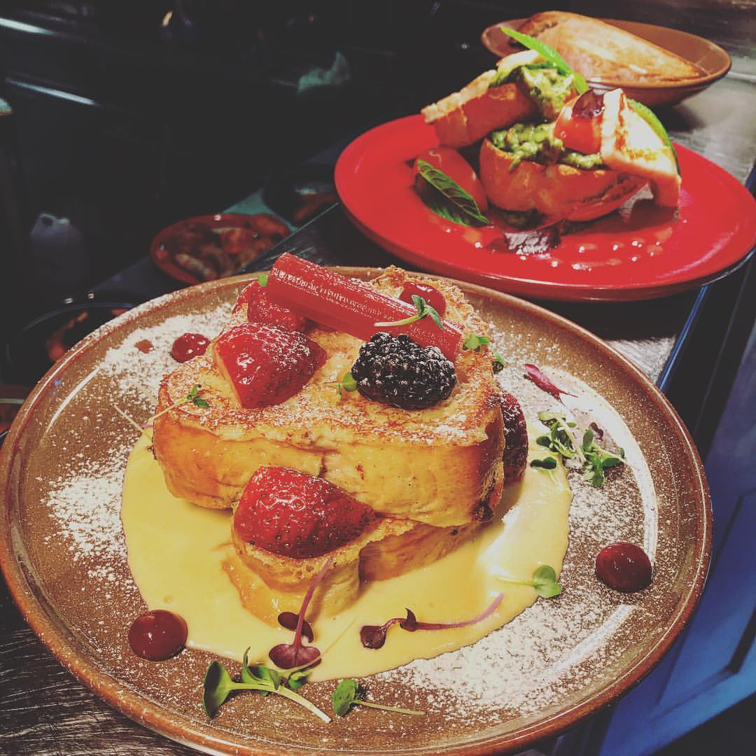 BREAKFAST- BRIOCHE FRENCH TOAST or CRUSHED AVOCADO #breakfast #date #frenchtoast #yum #sydney